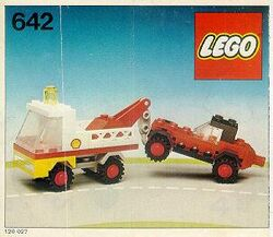642 Tow Truck and Car