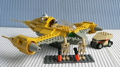 File:Lego naboo fighter 7141.jpg