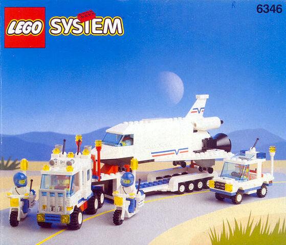 File:6346 Shuttle Launching Crew.jpg
