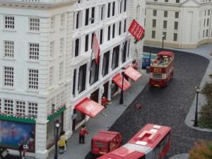File:Legoland-Hamleys.jpg