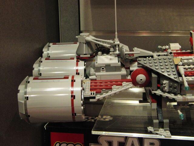 File:Lego-republic-frigate-2.jpg