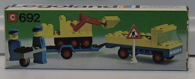 File:692-Road Repair Crew box.jpg