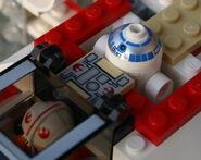 6212 R2-D2 im Cockpit