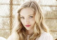 Amanda-seyfried-wallpaper-4