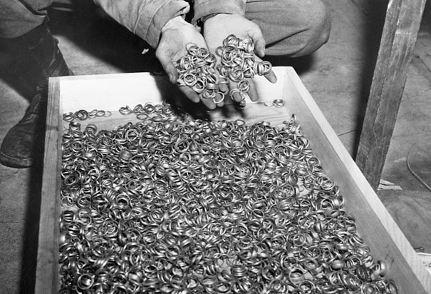File:Wedding-rings-holocaust.jpg