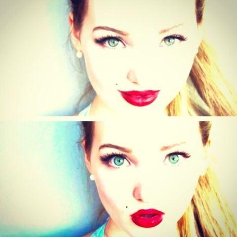 File:Dove Double Lips.jpeg