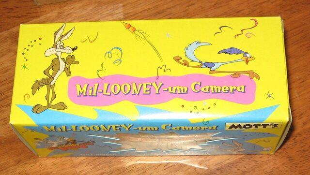 File:Mil-Looney-Um 2000 Motts.jpg