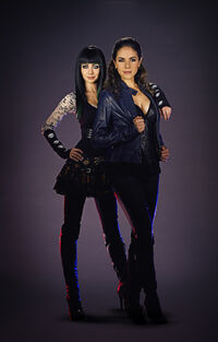 Bo and Kenzi (Season 2 publicity)