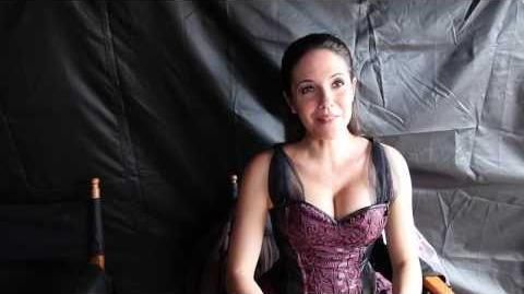 Anna Silk talks Season 4