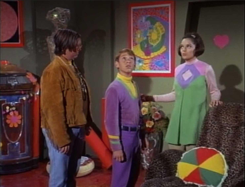 Penny Lost In Space Tv Show Twoj Doktor