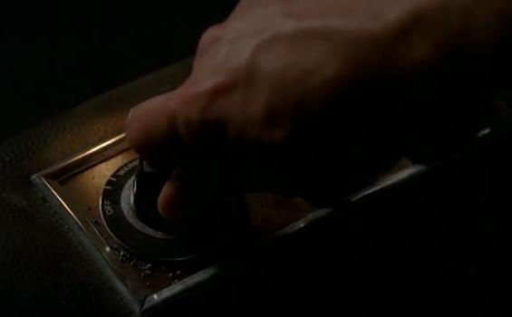 File:Damon hand.jpg
