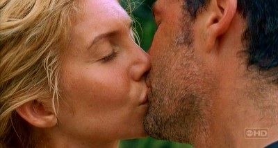 Archivo:Juliet kisses Jack.jpg