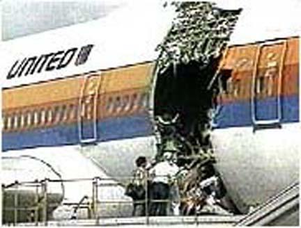 File:United Airlines 811 Cargo Hole 1.JPG