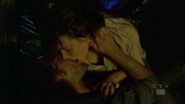 File:Kate and Sawyer 2-1.jpg