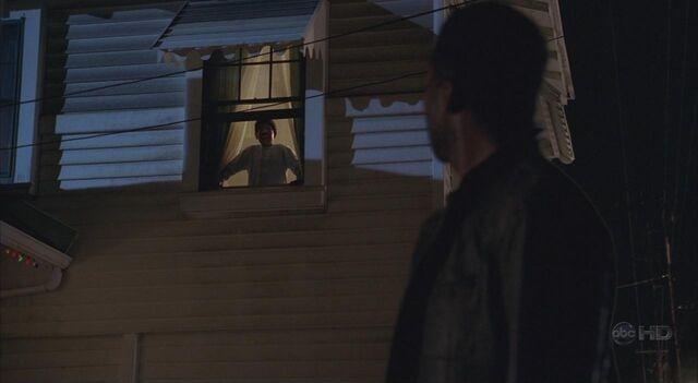 File:4x08 Walt in window 1.jpg