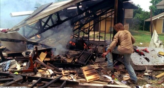 File:4x09-destroyedhouse.jpg