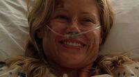 2x01-SarahMiracle
