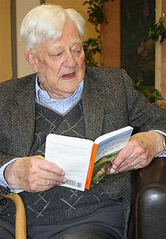 File:240px-Richard Adams.jpg