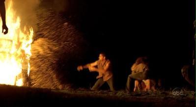 Archivo:1x17 raft fire.JPG