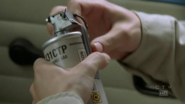 Archivo:Gas grenade.jpg