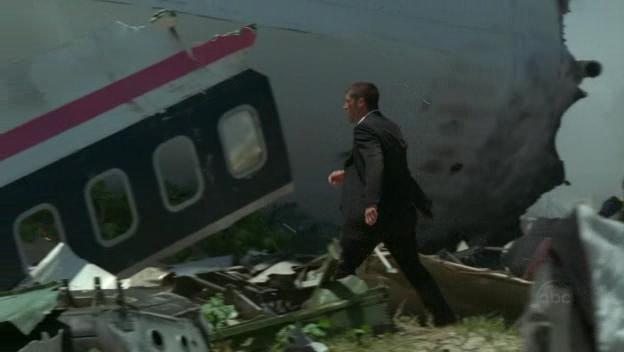 Archivo:1x01-JackWreckage.jpg
