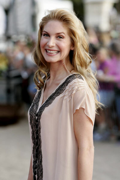 elizabeth mitchell photo