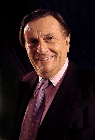 File:Barry Humphries.jpg