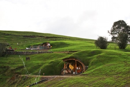 File:The-Hobbit-Set-3-450x300.jpg