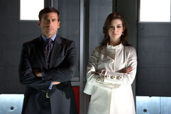 Steve carell as maxwell smart and anne hathaway as agent 99 get smart movie image