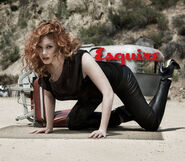 Christina-Hendricks-Esquire-Magazine-2