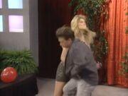 Kelly bounces back 10