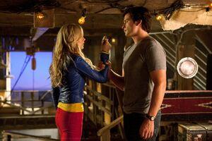 Smallville Episode Supergirl 001