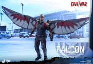 Falcon Civil War Hot Toys 8