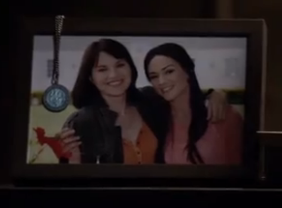 File:Izzy and Jane.png