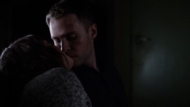 File:The Team FitzSimmons Kiss.jpg