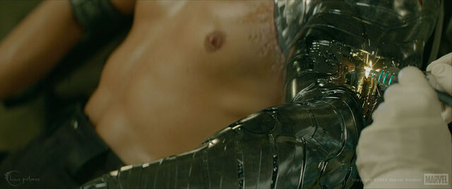File:Winter Soldier's Prosthetic Arm 3.jpg