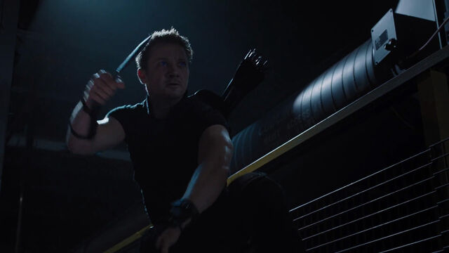 File:Hawkeye-Fight-Knife-Avengers.jpg