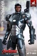 War Machine Hot Toys 5