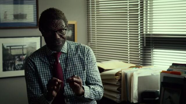 File:Ben-Urich-speaks-to-Ellison-S1E3.jpg