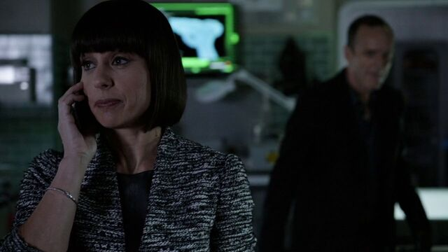 File:RosalindPrice-Coulson-SHIELD-labs.jpg