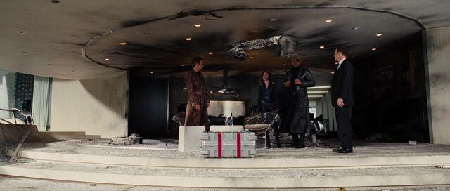 File:Stark S.H.I.E.L.D. agents.jpg