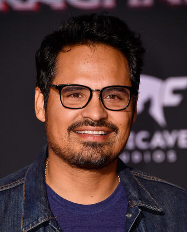 File:Michael Peña.jpg