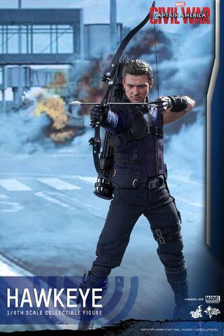 File:Hawkeye Civil War Hot Toys 1.jpg