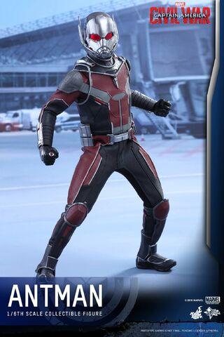 File:Ant-Man Civil War Hot Toys 6.jpg