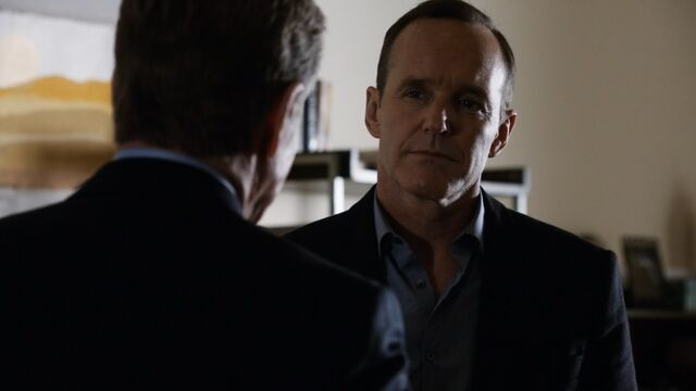 File:Coulson Meets The President.jpg