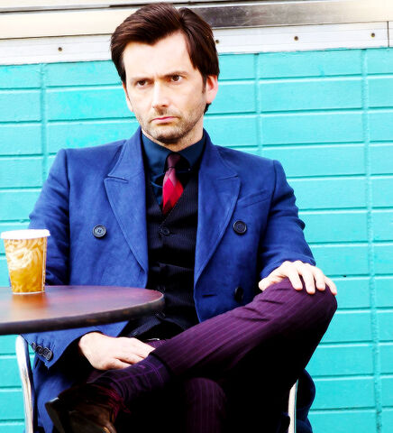 File:Tennant-On-Set-2.jpg