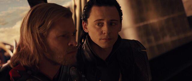 File:Loki-manipulates-Thor.jpg