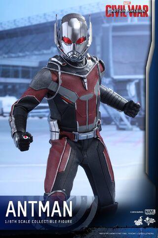 File:Ant-Man Civil War Hot Toys 9.jpg