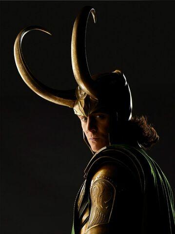File:Tom-Hiddleston-Loki-loki-thor-2011-33839441-766-1024.jpg