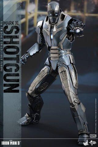 File:Hot Toys MK 40.jpg